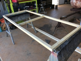 Bottom support frame